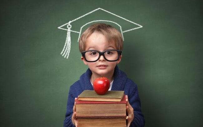 """Quyền lợi trọn đời: 10 thói quen cha mẹ nhất định phải """"ép"""" con phát triển để có một tương lai xán lạn"""