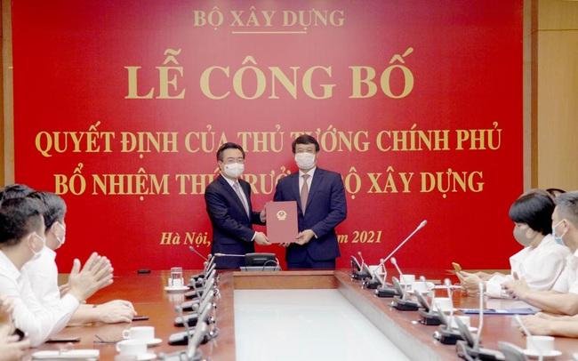 Trao quyết định bổ nhiệm Thứ trưởng Bộ Xây dựng cho ông Bùi Hồng Minh