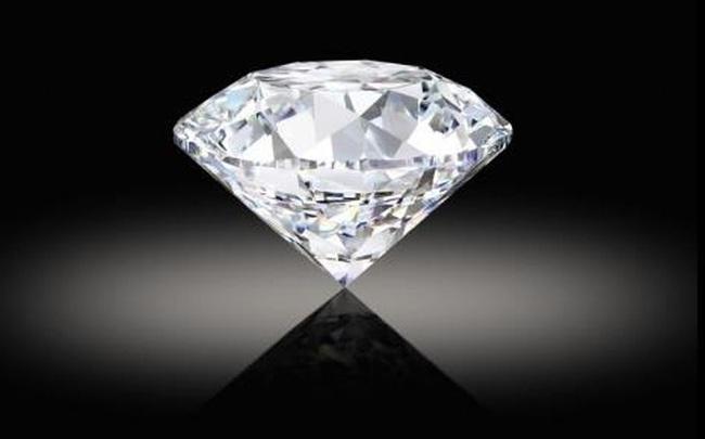 Bất chấp Bitcoin đang lao dốc xuống dưới 30.000 USD, sắp có một viên kim cương khổng lồ được bán đấu giá bằng tiền điện tử lần đầu tiên trong lịch sử