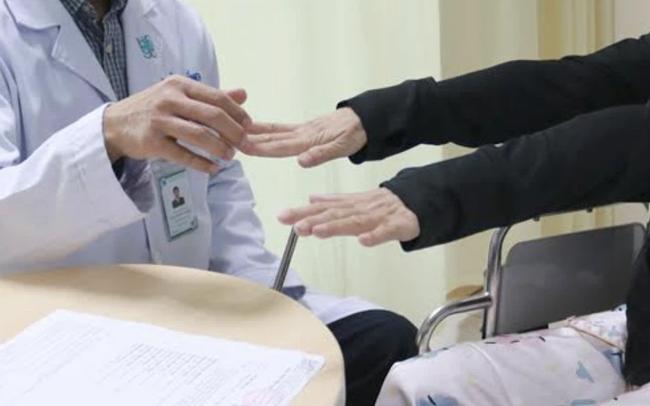 Người đàn ông thức dậy đã thấy nằm trong bệnh viện: Chuyên gia cảnh báo căn bệnh cực nguy hiểm gây tử vong hàng đầu ở Việt Nam