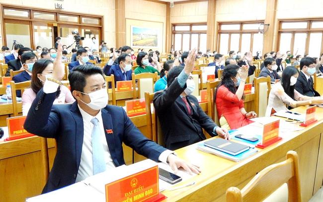 Chủ tịch HĐND và UBND tỉnh Quảng Ngãi tái đắc cử