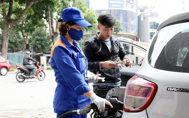 Phó Thủ tướng Lê Văn Thành: 'Cần cân nhắc kỹ nếu nới room cho nhà đầu tư ngoại bán lẻ xăng dầu'