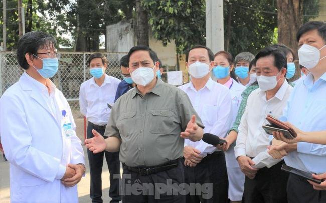 Thủ tướng: Bình Dương có thể cách ly y tế người có nguy cơ tại nhà
