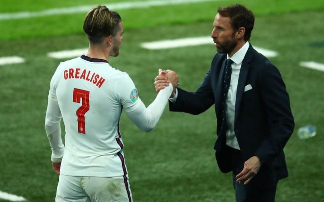 """Ôm món nợ 25 năm, """"gã ăn may"""" sẽ tung tuyệt chiêu giúp tuyển Anh đánh sập """"xe tăng"""" Đức"""