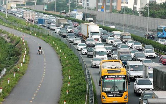 Giảm phí đường bộ cho xe khách, xe tải