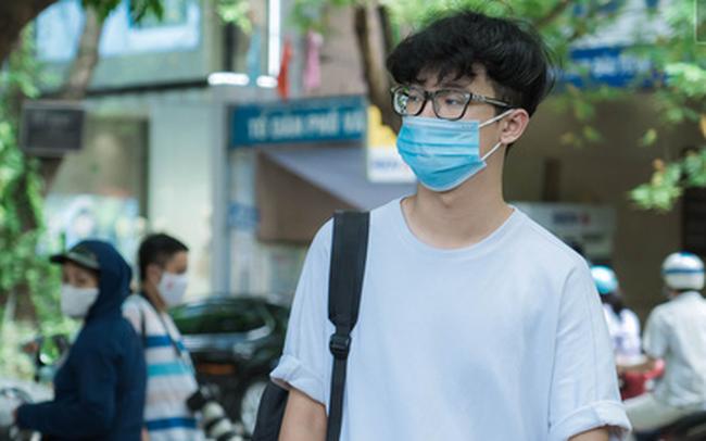 Thi lớp 10 ở Hà Nội: Không bật điều hoà, cha mẹ không được tập trung ở cổng trường