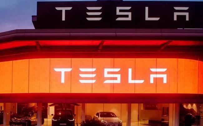 """Đang làm xe điện, Tesla bất ngờ """"bẻ lái"""" đăng ký thương hiệu nhà hàng"""