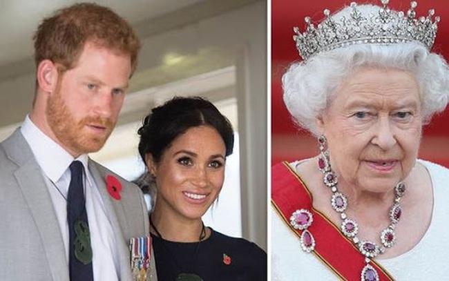Meghan Markle sợ mất tước hiệu, yêu cầu Harry đổi chiến thuật đòi quay về Hoàng gia Anh không ngờ bị vùi dập tơi tả