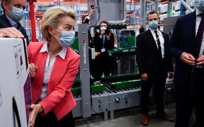 Các nước giàu mua thêm hàng tỷ liều vaccine Pfizer, Moderna cho 2 năm tới