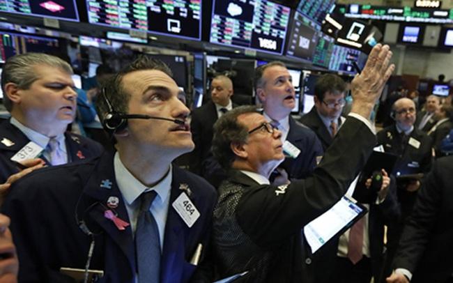 Sắc xanh bao trùm Phố Wall, S&P 500 thêm 1 phiên chạm mức cao kỷ lục