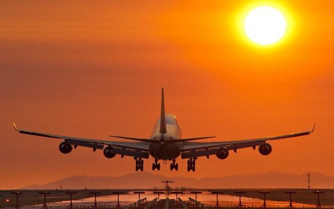 """Cổ phiếu ngành hàng không sẽ """"trỗi dậy"""" vào năm 2023, nửa cuối năm nay phù hợp để tích lũy"""