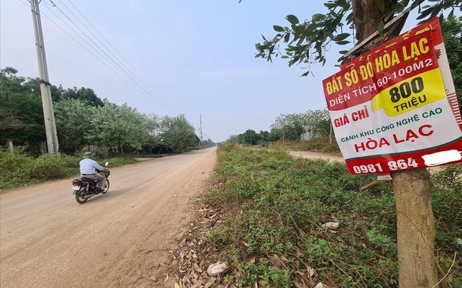 Bên cạnh dòng tiền cuồn cuộn đổ vào chứng khoán, nhà đầu tư vẫn rót tiền vào bất động sản chờ sốt đất sau dịch