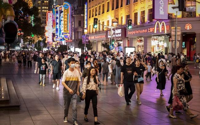 Kinh tế Trung Quốc đón một loạt tin xấu