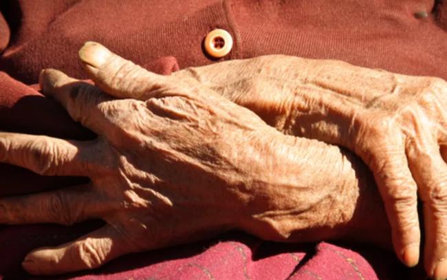 """Tuổi thọ con người có """"giới hạn tuyệt đối"""" là 150 năm?"""