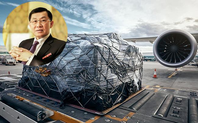"""Trước khi là """"Vua hàng hiệu"""" đình đám, ông Johnathan Hạnh Nguyễn đã là """"ông hoàng sân bay"""" suốt 30 năm"""