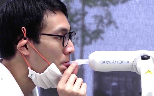 Máy xét nghiệm Covid-19 qua hơi thở hoạt động như thế nào?