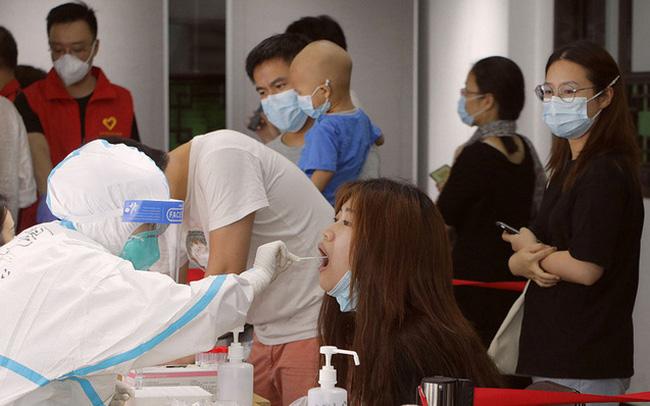 Thành phố Trung Quốc tổ chức đợt xét nghiệm lớn nhất thế giới sau khi COVID-19 lây lan 'đáng báo động'
