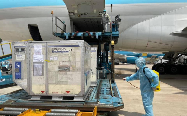 Các chuyến bay chở vaccine Covid-19 được ưu tiên bay tắt