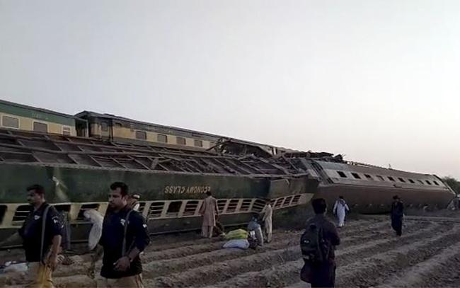 Hai đoàn tàu đâm nhau, ít nhất 35 người thiệt mạng