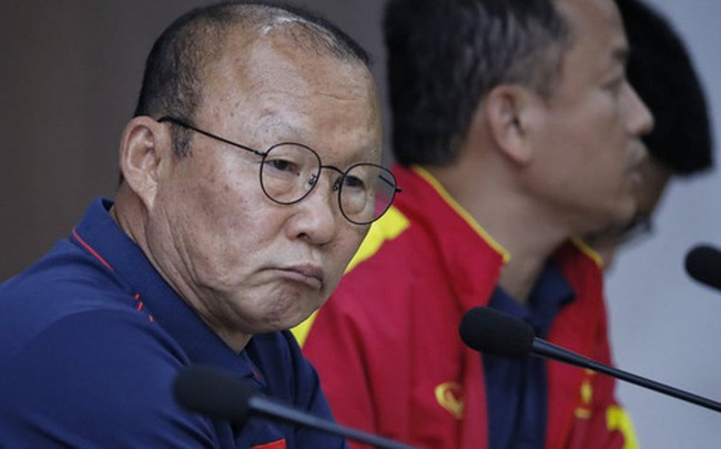 """""""Thói quen"""" độc đáo của thầy Park: Buộc những HLV tầm cỡ World Cup phải """"nếm mùi đau khổ"""""""