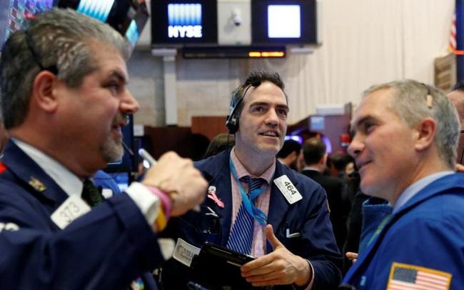 S&P 500 đi ngang, nỗ lực tiến đến mức cao nhất mọi thời đại