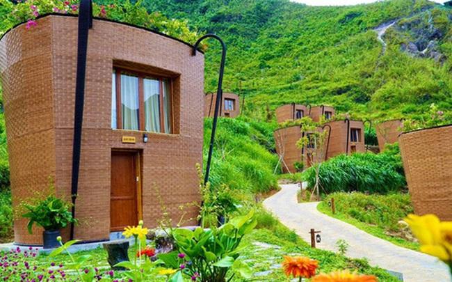 Hàng loạt ngôi nhà hình chiếc gùi độc đáo trên sườn núi Hà Giang, hóa ra từng đạt kỷ lục Việt Nam