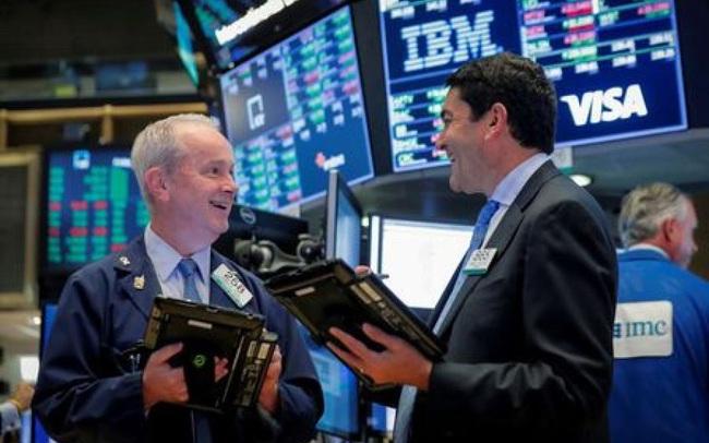 Phố Wall nối dài chuỗi khởi sắc, Dow Jones tăng hơn 200 điểm