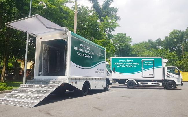Doanh nghiệp chung tay đẩy lùi Covid-19 giữa tâm dịch Tp.HCM: THACO trao tặng 126 xe chuyên dụng, DHL Express hỗ trợ đưa về lô vắc xin Pfizer
