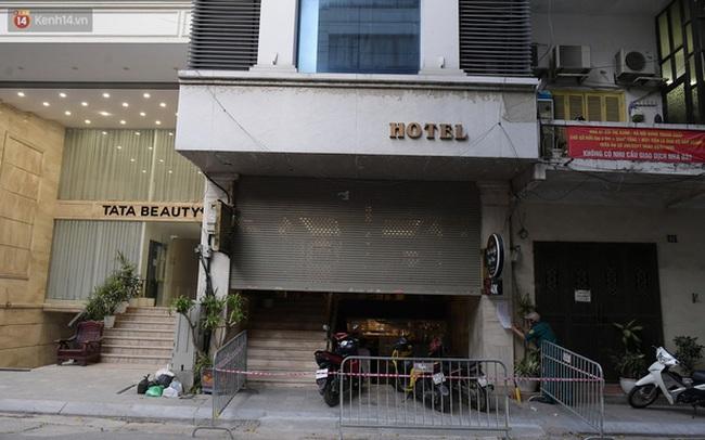 Hà Nội: Phong tỏa, đưa người của khách sạn, quán ăn trên phố Bùi Thị Xuân đi cách ly sau 5 ca dương tính SARS-CoV-2