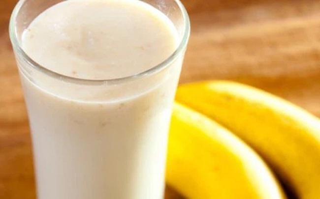 Uống sữa kết hợp ăn chuối có thực sự tốt cho sức khỏe?