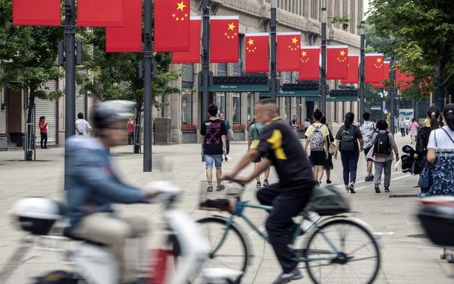 Động thái 'ngược đời' của Trung Quốc và hồi chuông cảnh báo cho cả thế giới về rủi ro hồi phục sau đại dịch