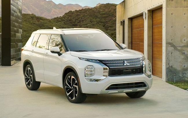 Đối thủ Honda CR-V nhận ưu đãi khủng, giảm xuống mức rẻ nhất phân khúc