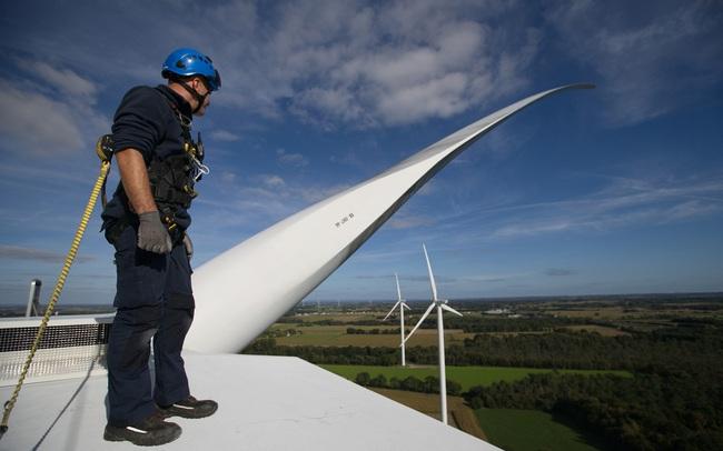 Diễn đàn Kinh tế thế giới: Khoảng 150 nghìn việc làm mới sẽ được tạo ra từ các dự án năng lượng tái tạo ở Việt Nam