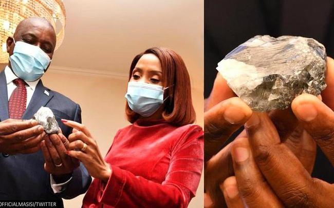 """Vừa mới phát hiện viên kim cương to bằng quả trứng vịt, quốc gia này lại """"trúng mánh"""" với viên đá quý lớn hơn"""