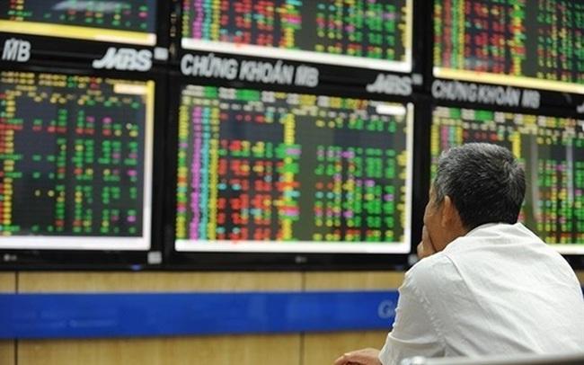 'Lãi suất giảm có lợi cho thị trường chứng khoán trung hạn'