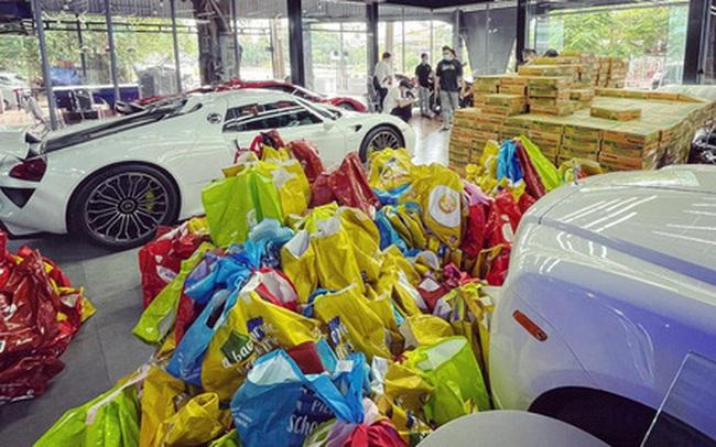 """Showroom siêu xe """"đỉnh"""" thành tiệm tạp hóa và đại gia 9X lái Mercedes-AMG G63 đi ship gạo, nước mắm"""