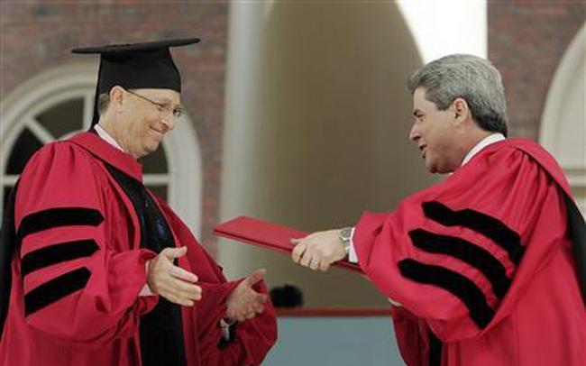 """""""Quy tắc ngầm"""" của Đại học Harvard thay đổi tư duy về thành công: Trước khi bước chân vào trường, tất cả mọi người phải vượt qua cửa ải này"""