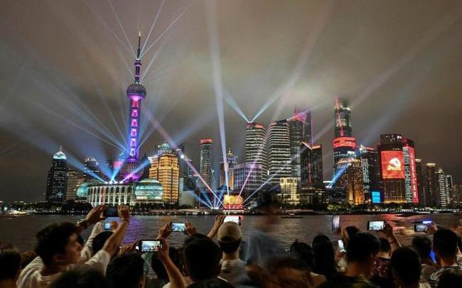 Bất chấp căng thẳng địa chính trị, khối ngoại vẫn sở hữu hơn 800 tỷ USD trái phiếu và cổ phiếu Trung Quốc
