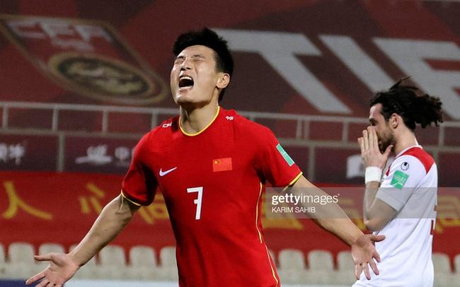 """Điều HLV Park Hang-seo lo lắng nhất chính là """"chiếc mặt nạ"""" của đội tuyển Trung Quốc"""