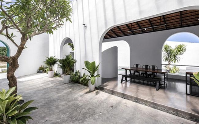 Ngôi nhà màu trắng đẹp không tì vết tại Phú Yên vừa lên báo Mỹ