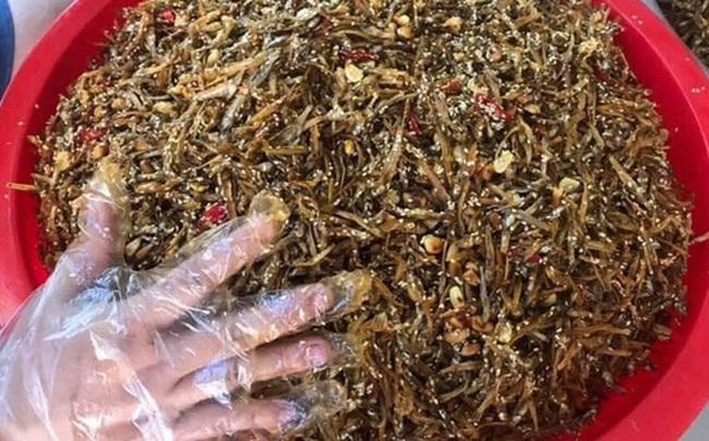 [ẢNH] Người dân xứ Nghệ quyên góp rau củ, ngày đêm làm đồ ăn để ủng hộ tâm dịch TP. HCM