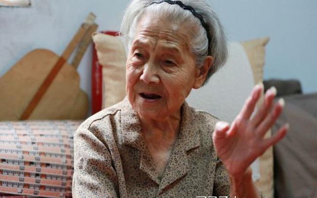 Bị năm tháng lãng quên, cụ bà 103 tuổi mà sức khỏe như hồi xuân xanh: Bí quyết trường thọ không phải là đi bộ nhiều mà chính là 4 điều này