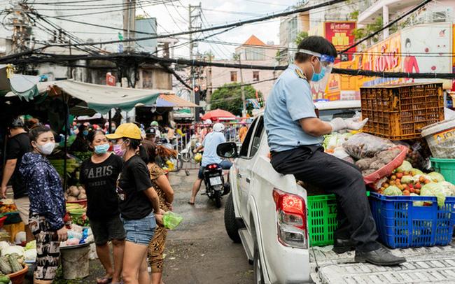 TP. HCM thí điểm mở lại chợ truyền thống