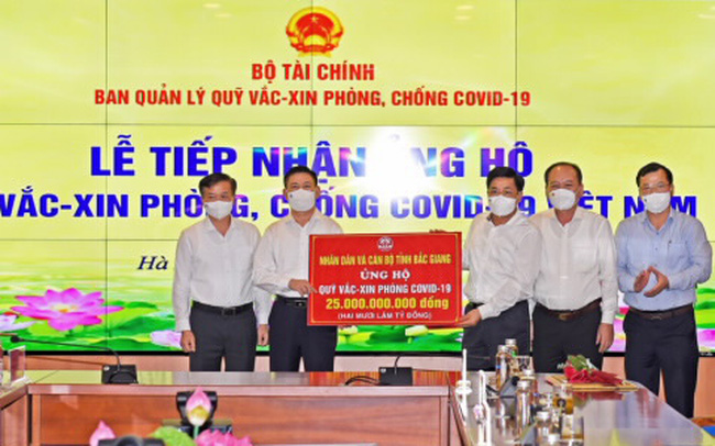 18 tổ chức, doanh nghiệp ủng hộ Quỹ Vắc xin hơn 80 tỷ đồng, riêng Bắc Giang ủng hộ 25 tỷ, các doanh nghiệp Hàn Quốc đã ủng hộ hơn 10 triệu USD