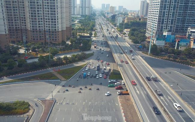 Đường phố Hà Nội thông thoáng trong ngày đầu thực hiện Công điện số 15