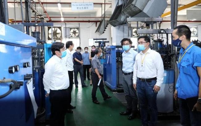 Gần 80 nghìn công nhân lao động ở TPHCM 'vừa cách ly, vừa sản xuất'