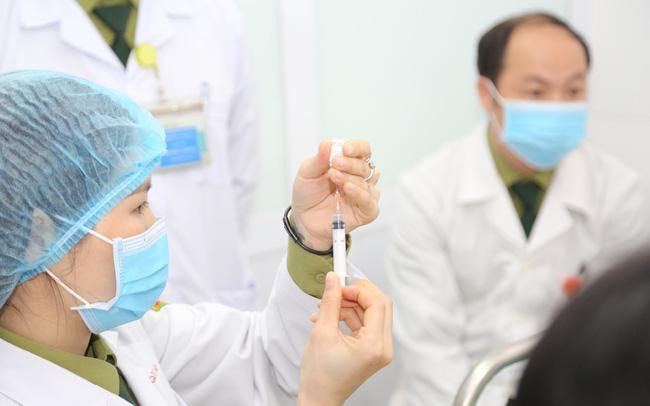 """Bộ Y tế nói gì về dự báo của báo Singapore - """"Việt Nam phải mất hơn 10 năm mới tiêm được vaccine Covid-19 cho 75% dân số""""?"""