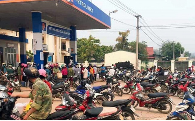 Giá xăng dầu tăng khiến doanh nghiệp và nền kinh tế thêm lao đao