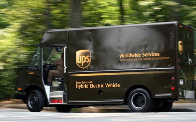 Yêu cầu tài xế giao hàng chỉ rẽ phải, một hãng vận chuyển tiết kiệm được 50 triệu USD, giảm lượng khí thải tương đương 20.000 ô tô chở khách mỗi năm