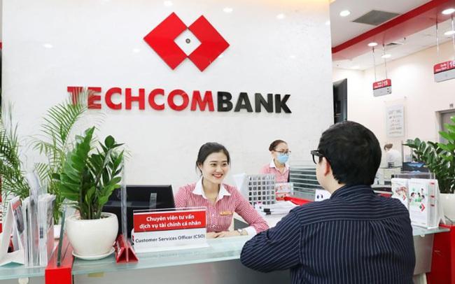 Techcombank báo lãi trước thuế 11.500 tỷ đồng trong 6 tháng đầu năm, CASA tăng hơn 55% trong 1 năm